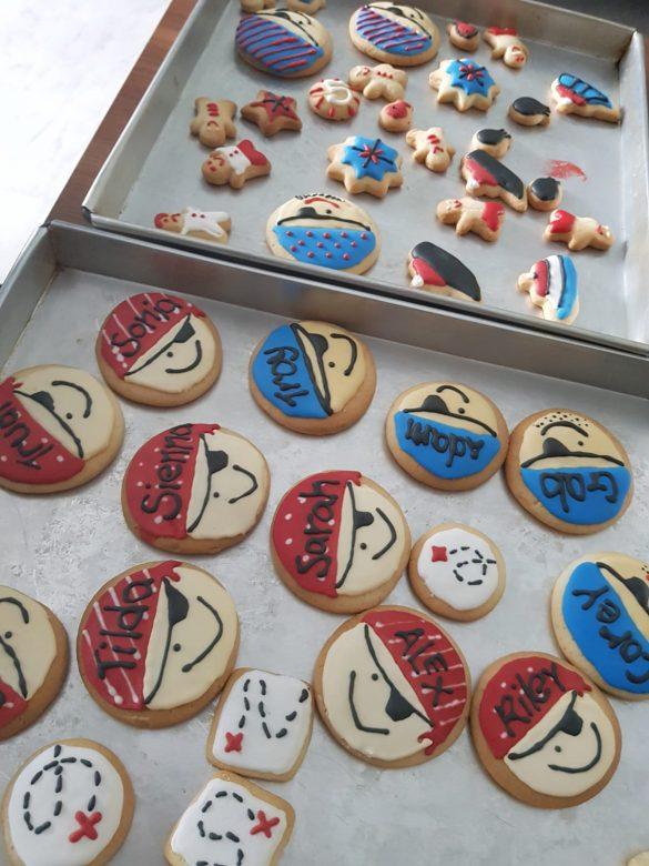 Recipe: aquafaba vegan sugar cookies and royal icing
